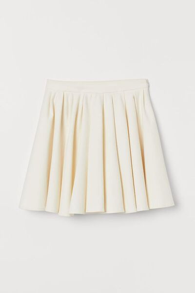 File:White circle skirt.jpg